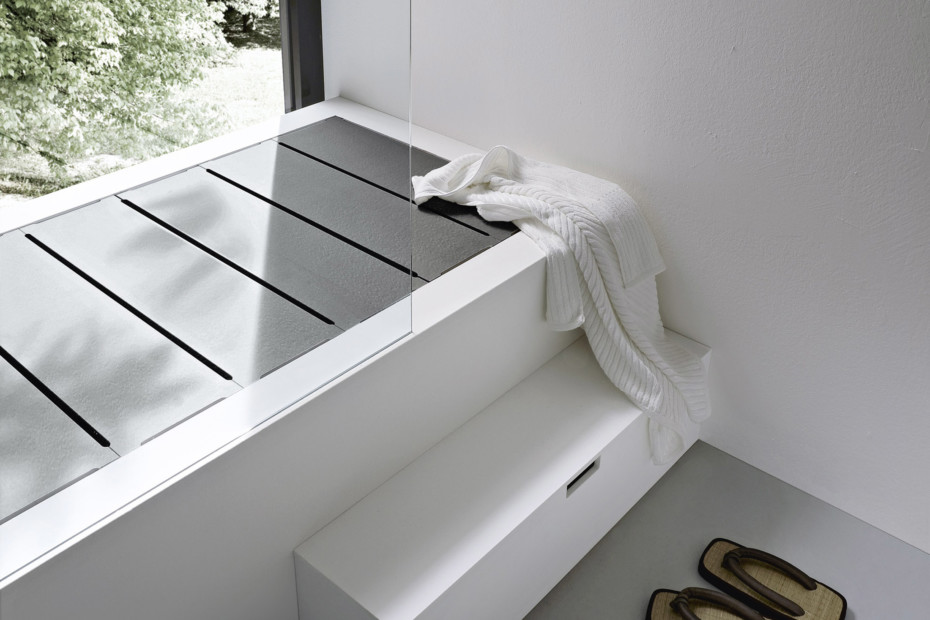 Unico bathtub shower system
