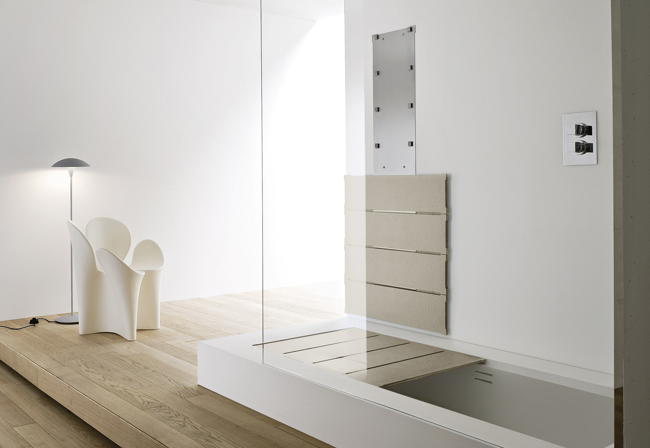 Unico bathtub shower system by Rexa Design | STYLEPARK