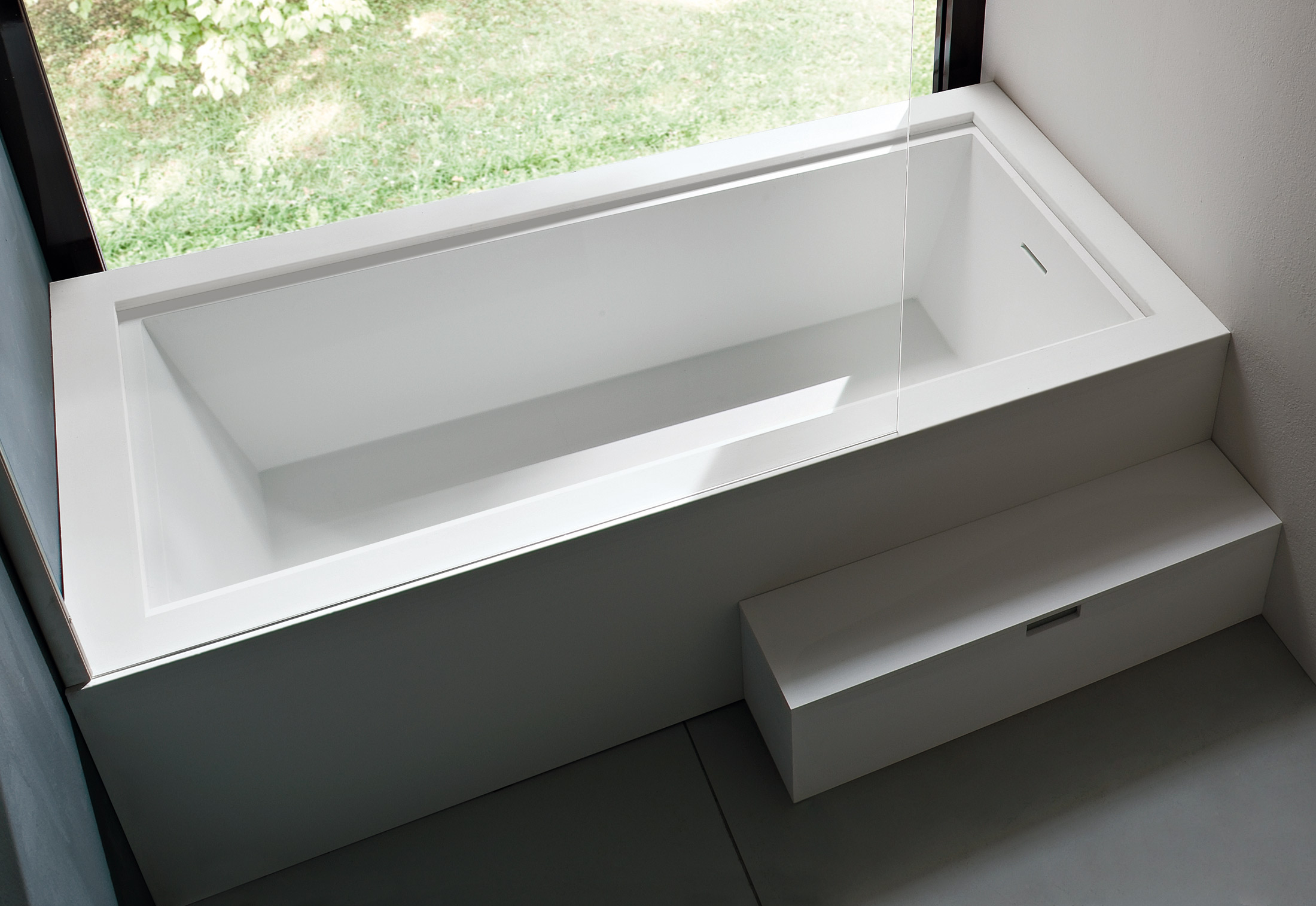 ... Unico Bathtub With Top Cover ...