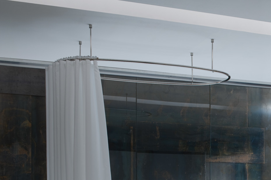 Unico shower curtain