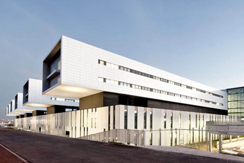 concrete skin, Hospital, Sant Juan de Reus, ivory