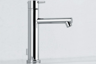 Diametrotrentacinque basin mixer and inlet  by  Ritmonio