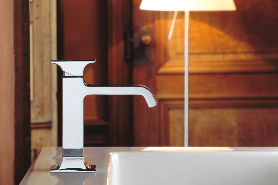 Serif bidet mixer and inlet
