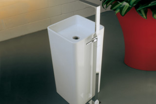 Waterblade_j basin mixer free standing  by  Ritmonio