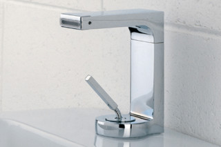 Waterblade_j basin mixer small  by  Ritmonio