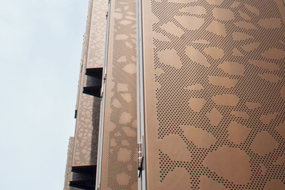 Decorative patterns - flexible sun screens, Marthashof in Berlin