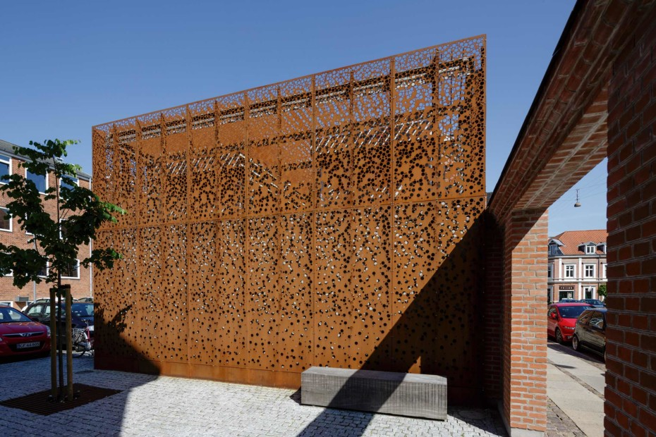 Perforated Corten panels as cladding, Municipal building in Danmarksgade - Aalborg