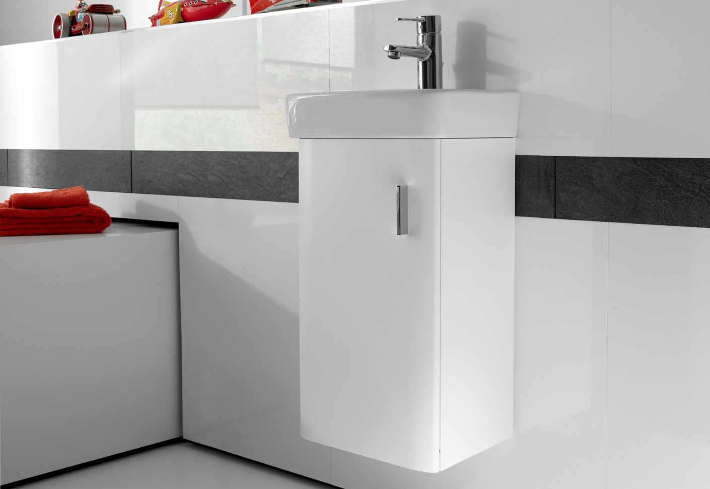 Senso Square hand rinse basin with vanity unit by Roca | STYLEPARK