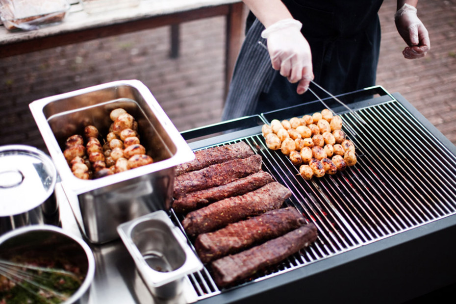 The Roshults – BBQ Gas Grill Austin F. Cline