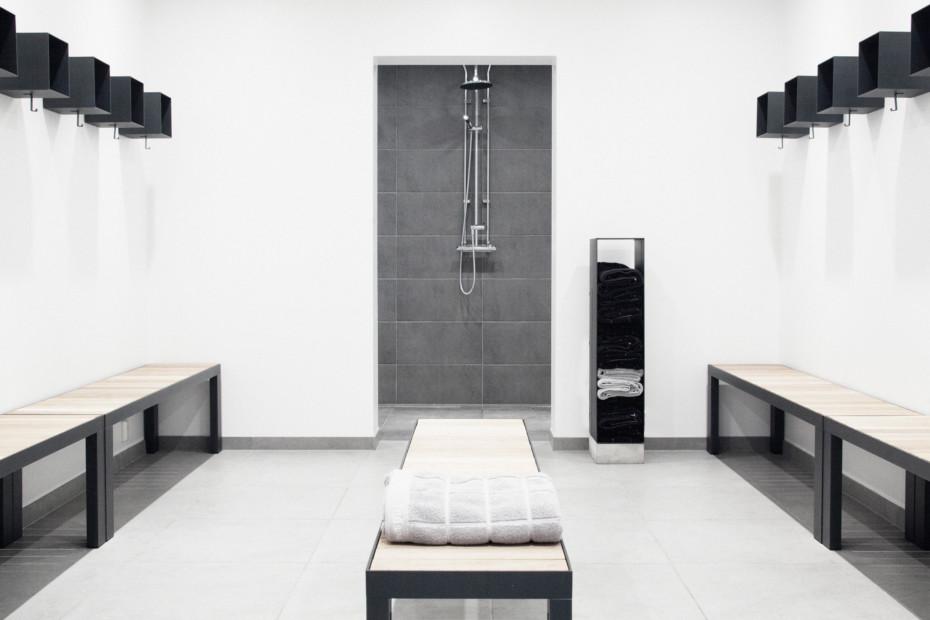 Lobby Coat Hanger