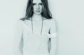 Fade Loop necklace  by  Saskia Diez
