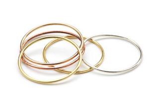 Gold Wire Ringe  von  Saskia Diez