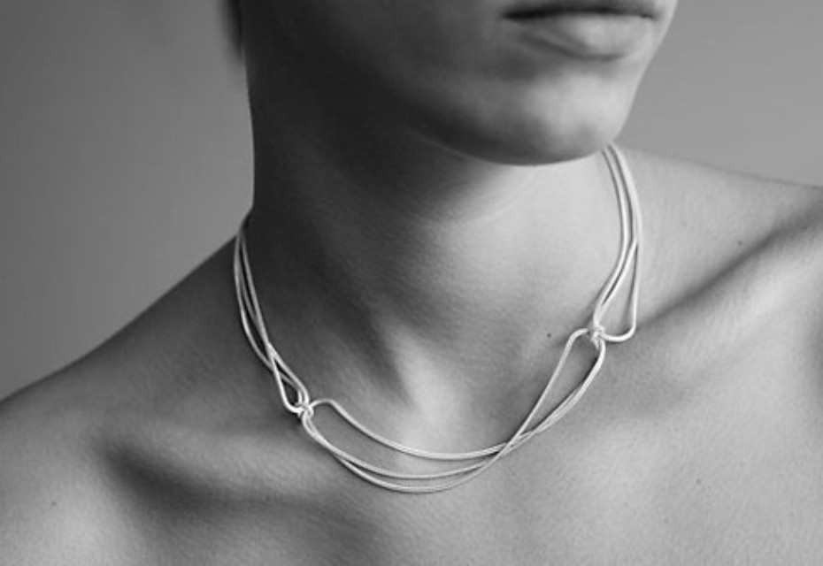 White 4Knots necklace