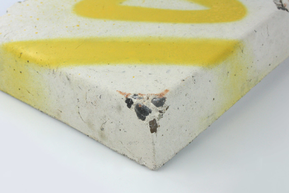 Self-cleaning concrete