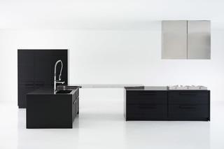 Cinqueterre black  by  Schiffini