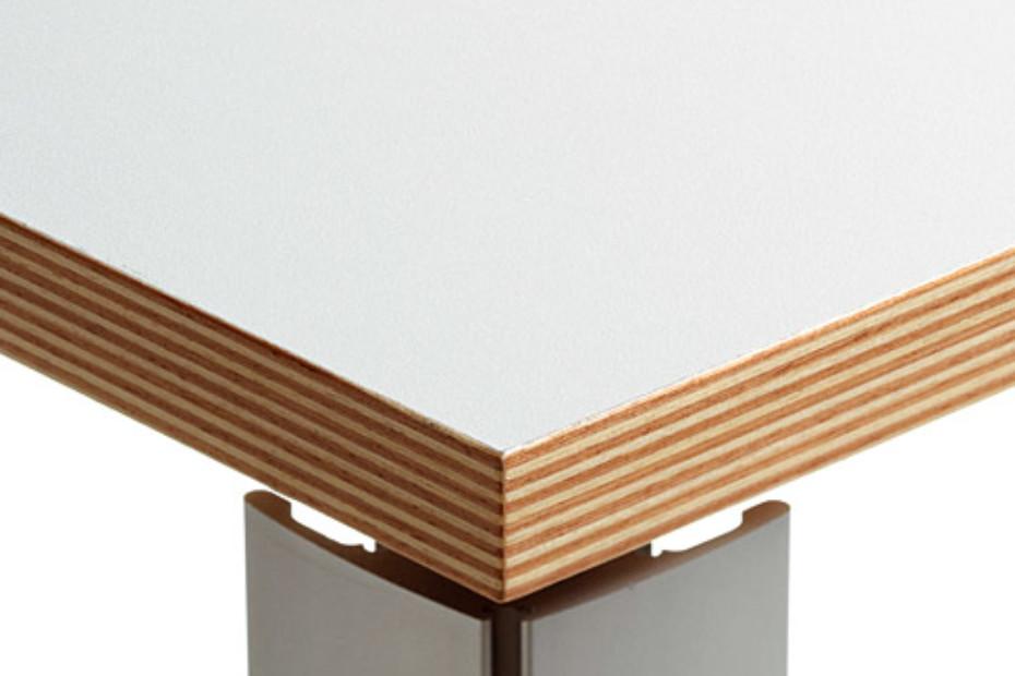 Hanka desk