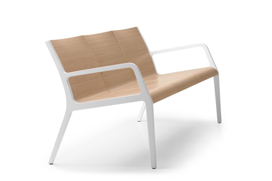 Suma with armrest