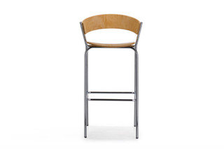 Taburetes bar stool with armrests  by  Sellex