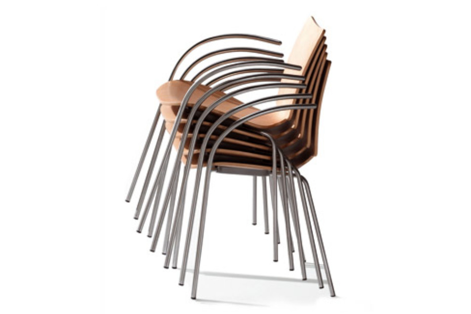 Talle chair with armrests
