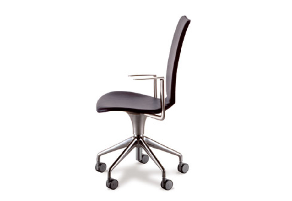 Talle swivel chair with armrests