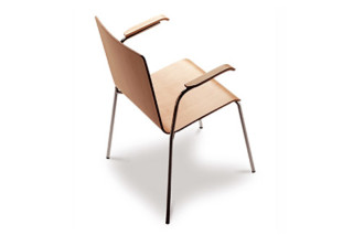 Yago chair with armrests  by  Sellex