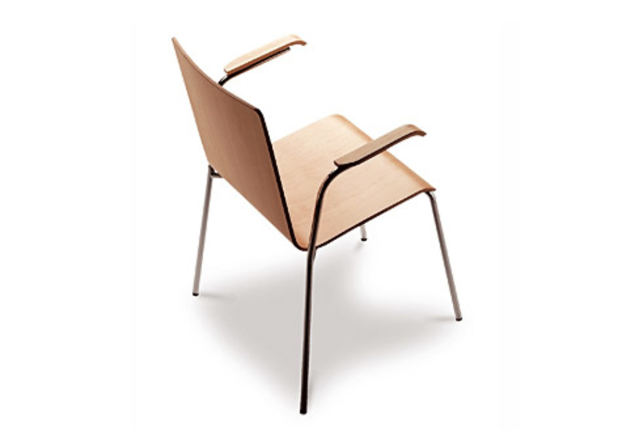 Yago chair with armrests
