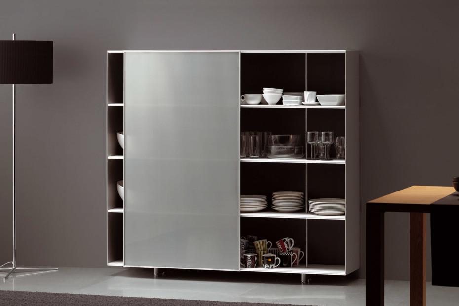 Zumm shelf with sliding door