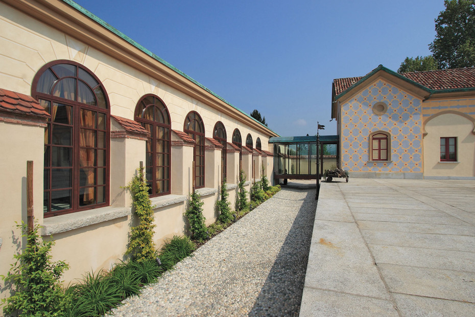 Profile system, Headquarters of Coverd, Verderio Superiore