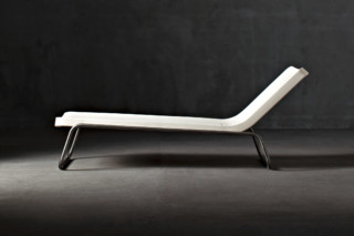 Time Out Chaise Longue  von  SERRALUNGA