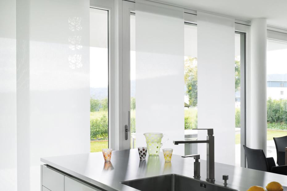 Plain curtain systems