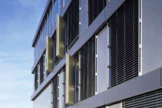 Glass facade, Cayla school, Genf  by  Sprinz