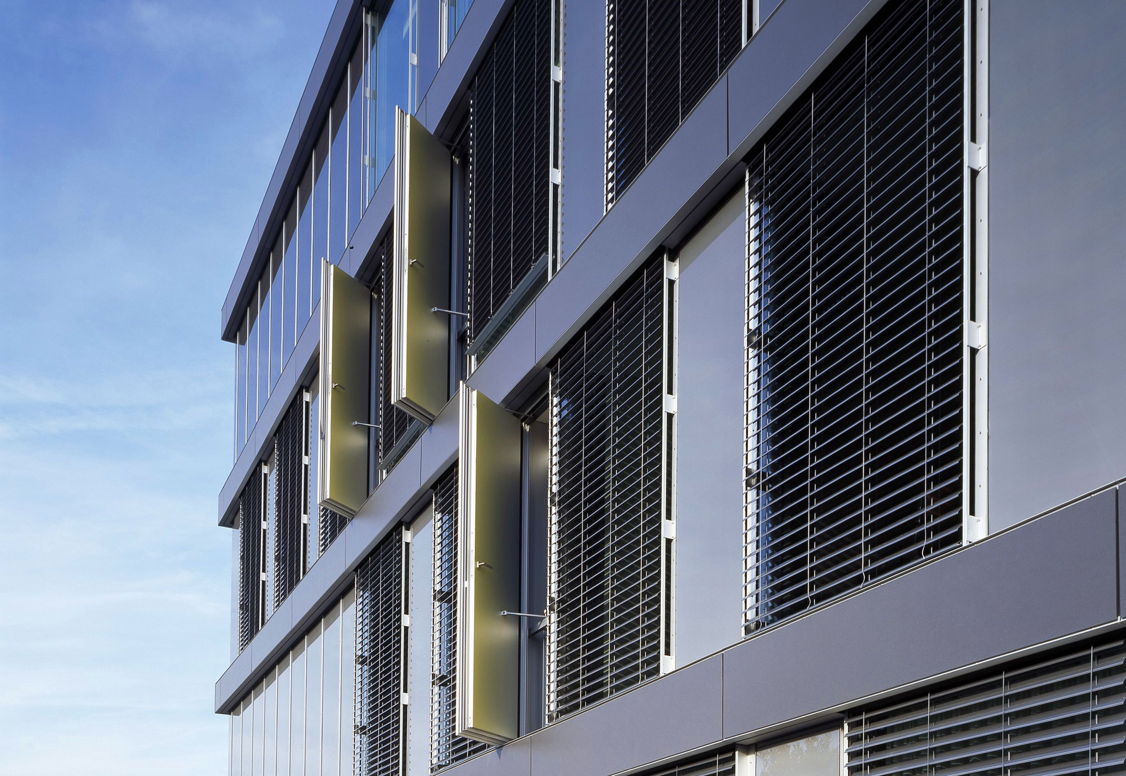 Glass Facade Cayla School Genf By Sprinz Stylepark