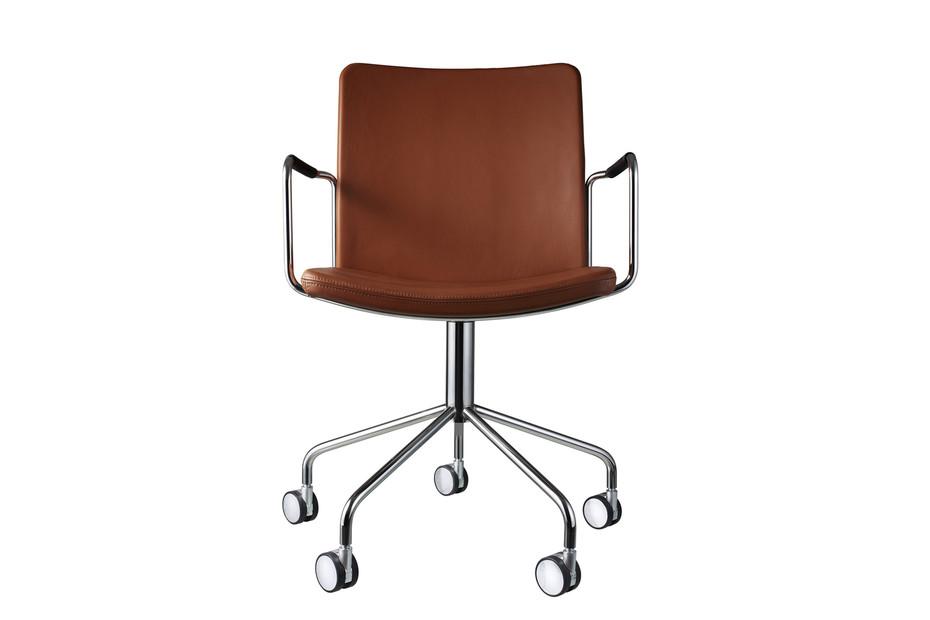 Stella swivel chair