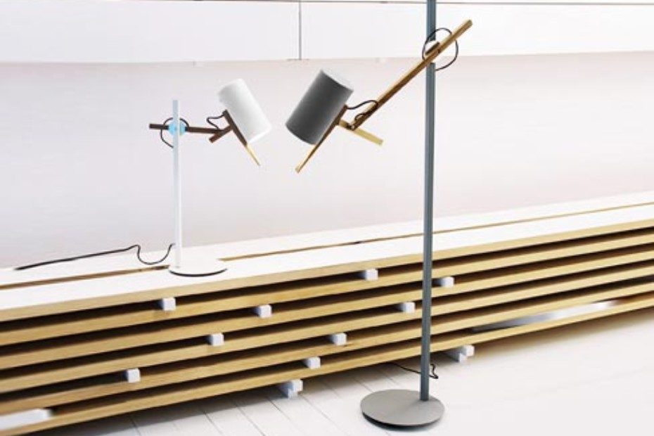 Scantling standing lamp