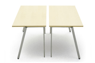 Flok table  by  Materia