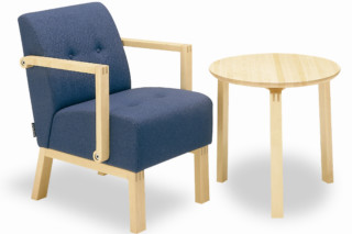 Robust easy chair with armrest  by  Materia