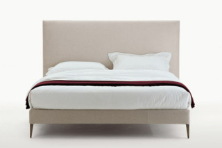 FILEMONE bed  by  Maxalto