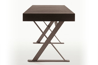Max Desk  by  Maxalto
