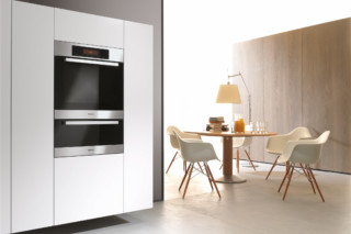 Oven H 5681  by  Miele