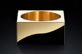 Pot 30sq gold  by  MINIMALUX