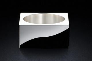 Pot 30sq silver  by  MINIMALUX