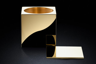 Pot 60sq gold  by  MINIMALUX