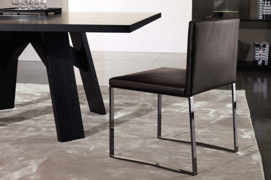 Flynt stuhl mit kufen von minotti stylepark for Design lab stuhl