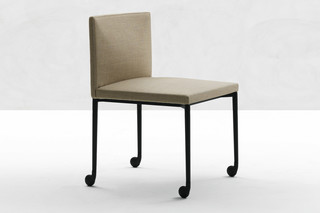 Flynt chair with wheels  by  Minotti