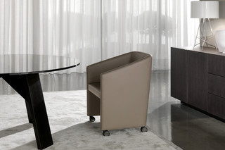 Loving with wheels  by  Minotti