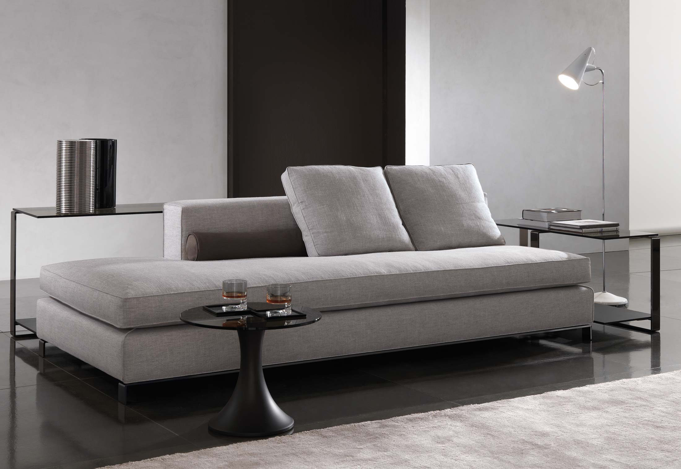 Minotti williams sofa williams by minotti stylepark thesofa Sofa minotti preise