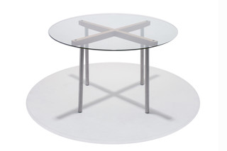 Volvo Table circle  by  Modus