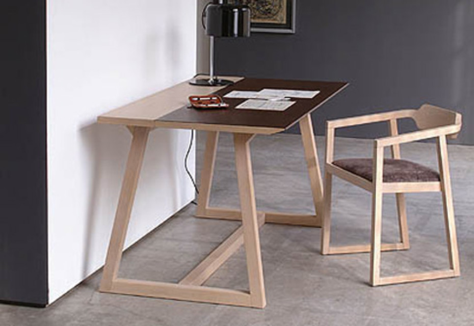 Juliet desk
