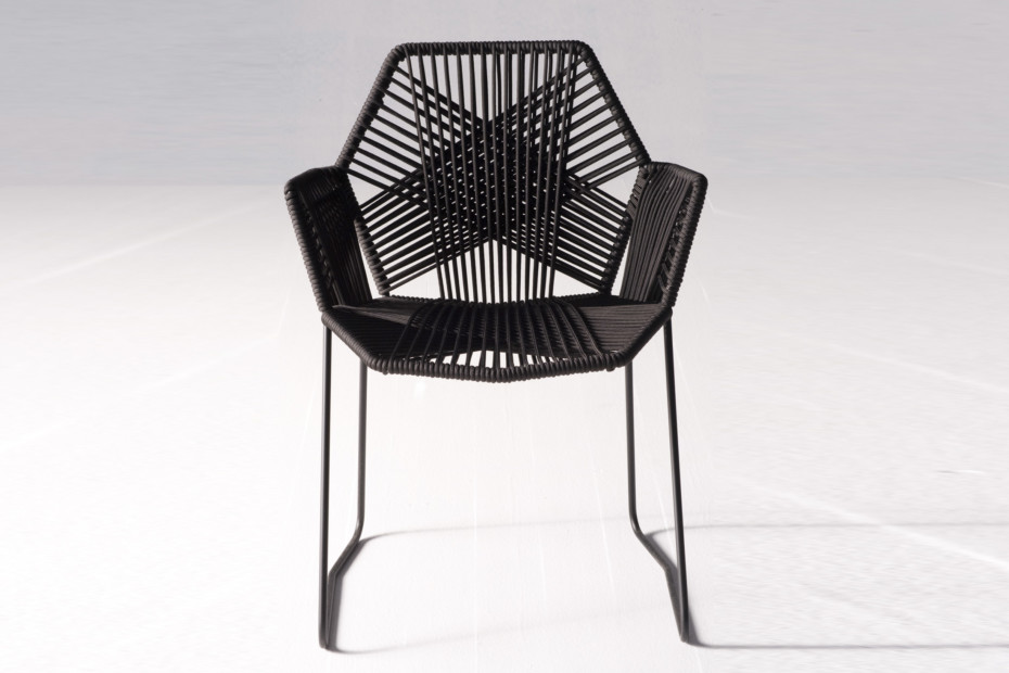Tropicalia chair with armrests