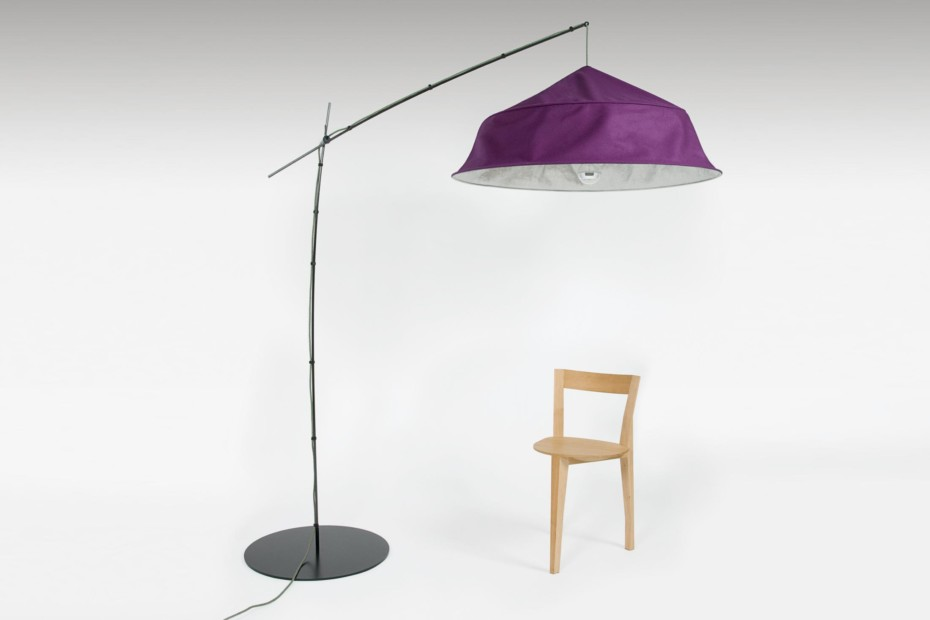 Fold up floor lamp